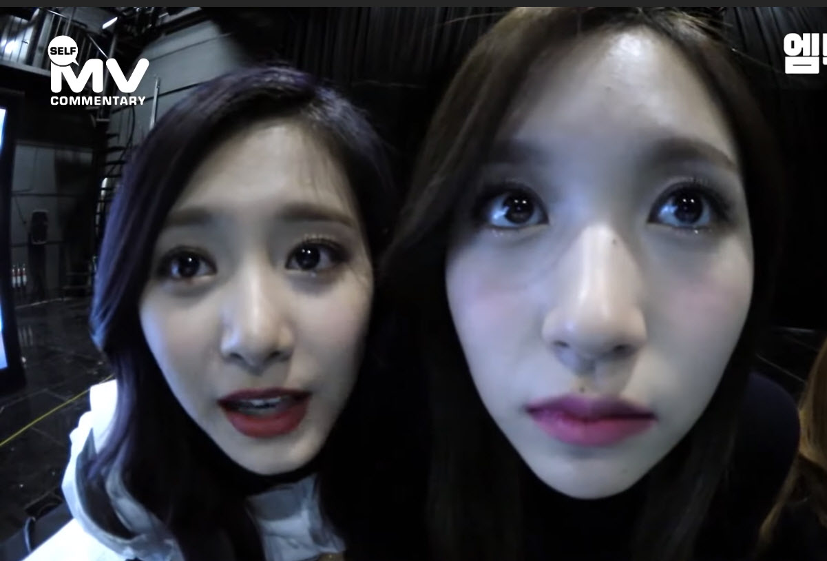 MiTzu-Mina-and-Tzuyu-TT-era-2016.jpg